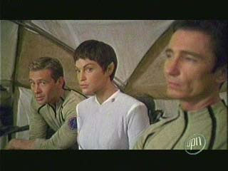 The boys and T'Pol break out the desert gear